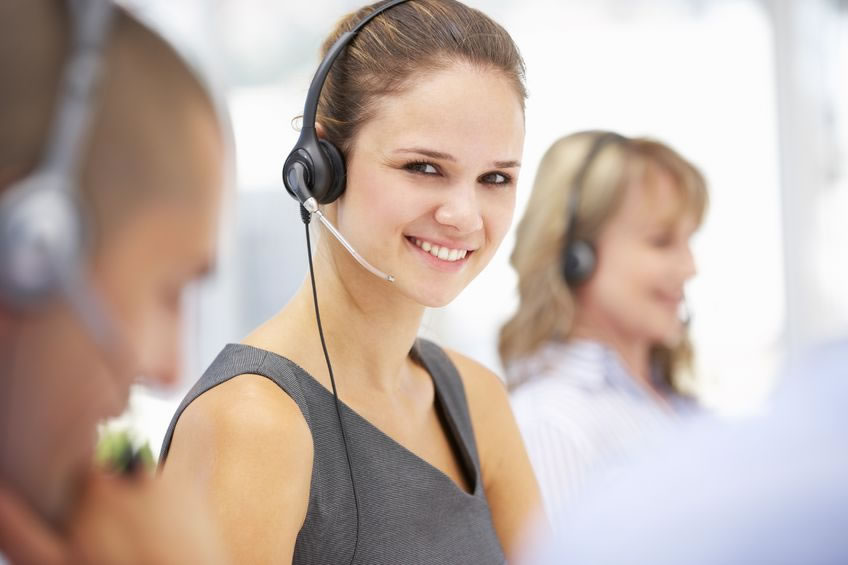 Small business virtual receptionist answering office calls